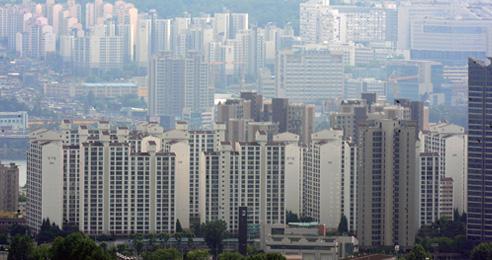 청약조정지역 대출규제, 서울 분양권 전매 금지, 이동통신비 대폭 낮추고 식탁 물가 잡는다