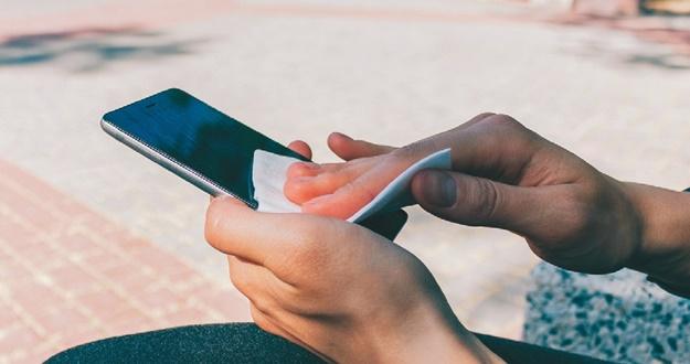 '가족보다 가까운' 휴대전화 감염 위험은 없을까?