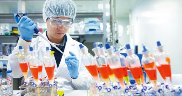 """""""2021년 하반기 백신 생산… 세계 1호도 국내 공급"""""""