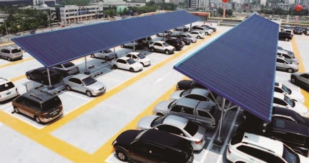 옥상에 전기차 충전소 세우고, 세제 용기 재사용하고 유통업계에 부는 '친환경 바람'