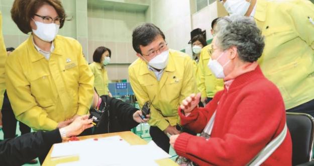 5월부터 서울 학생·교직원 무증상도 검사 백신 개발 등 제약·바이오산업에 7718억